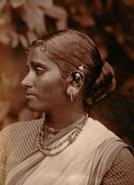 Portrait of a Tamil woman, circa 1894, oldindianphotos.in, source: vintageindia.tumblr.com