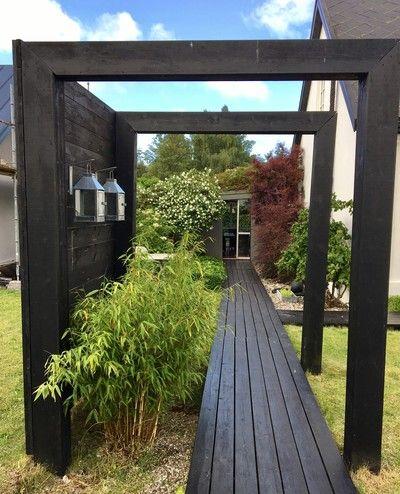 Linje effekt trägång plank portal stolpar överliggare bambu