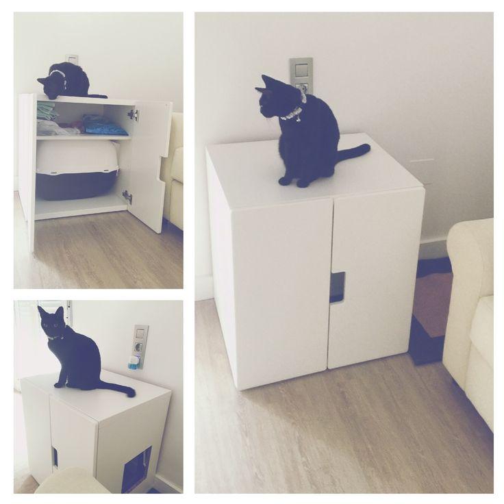 Buenos días! Hoy os quiero enseñar una forma genial en la que podéis integrar un arenero para gatos en vuestras viviendas! Es muy sencillo, podéis aprovechar cualquier mueble vie...