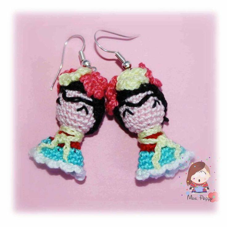 Crochet earrings amigurumi Frida Kahlo. Orecchini uncinetto amigurumi Frida Kahlo.