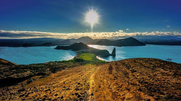 """Animais exóticos, praias desertas e muita natureza. Galápagos é isso e muito mais. Imagina um lugar onde você desce do barco e é recebido por leões-marinhos, ilhas onde dá para chegar bem pertinho de iguanas, tartarugas e até mesmo nadar ao lado de cardumes de peixinhos coloridos. Essa reserva da biosfera e Patrimônio Natural da...<br /><a class=""""more-link"""" href=""""https://viagem.catracalivre.com.br/brasil/viagem-acessivel/indicacao/tres-motivos-para-conhecer-a-ilha-de-galapagos/"""">Continue…"""