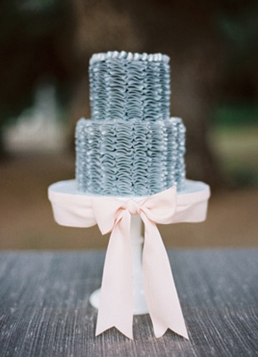 Wedding Cakes Pictures: Ruffled Wedding Cakes
