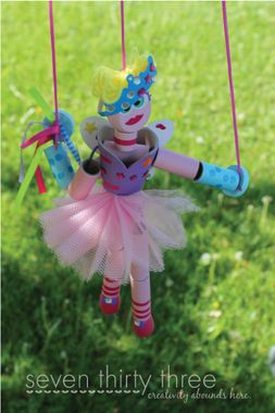 Homemade Marionette and 14 other crafts to use up those extra toilet paper rolls in your house!