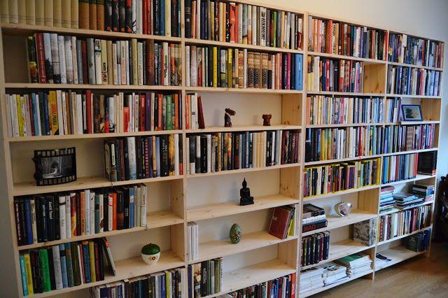 Kirjainten virrassa: Tee-se-itse (DIY) Kirjahylly
