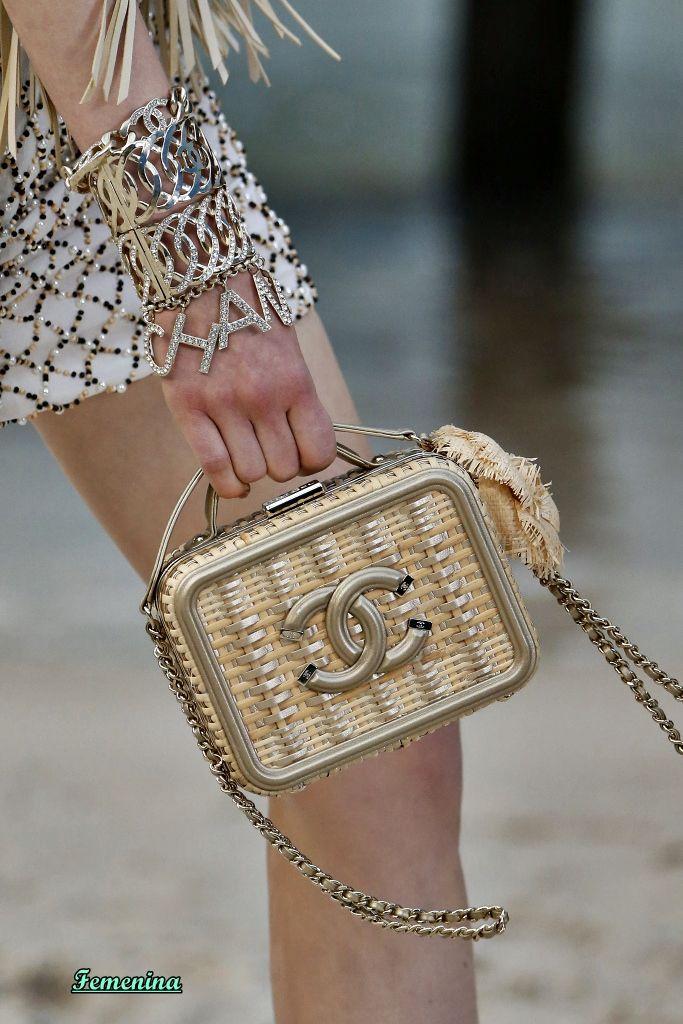 0394b80c57 Chanel Spring/Summer 2019 RTW -Details #bag | Handbags in 2019 ...