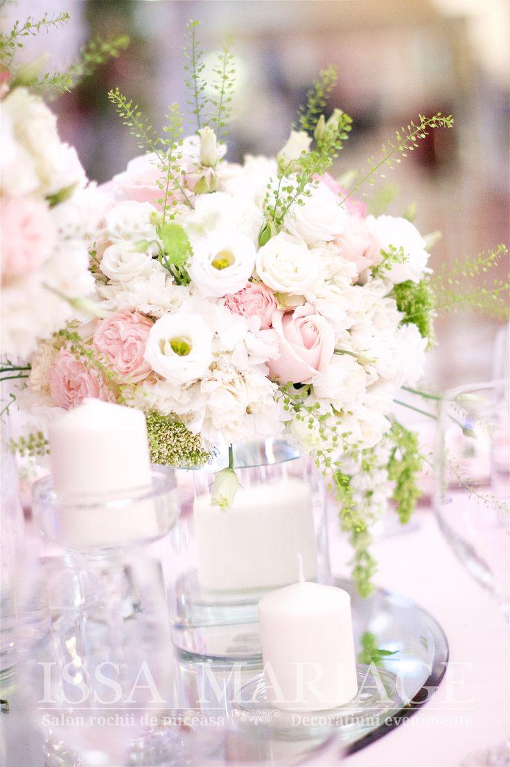 Aranjament floral nunta ranunculus trandafiri David Austin minirose roz pal IssaEvents 2017