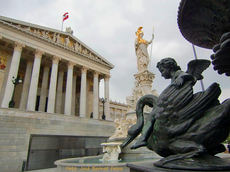 Parlament én Athenefontein, Wenen
