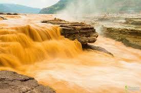 黄河 - The Yellow River or Huang He is the third-longest river in Asia, following the Yangtze River and Yenisei River, and the sixth-longest in the world at the estimated length of 5,464 km.