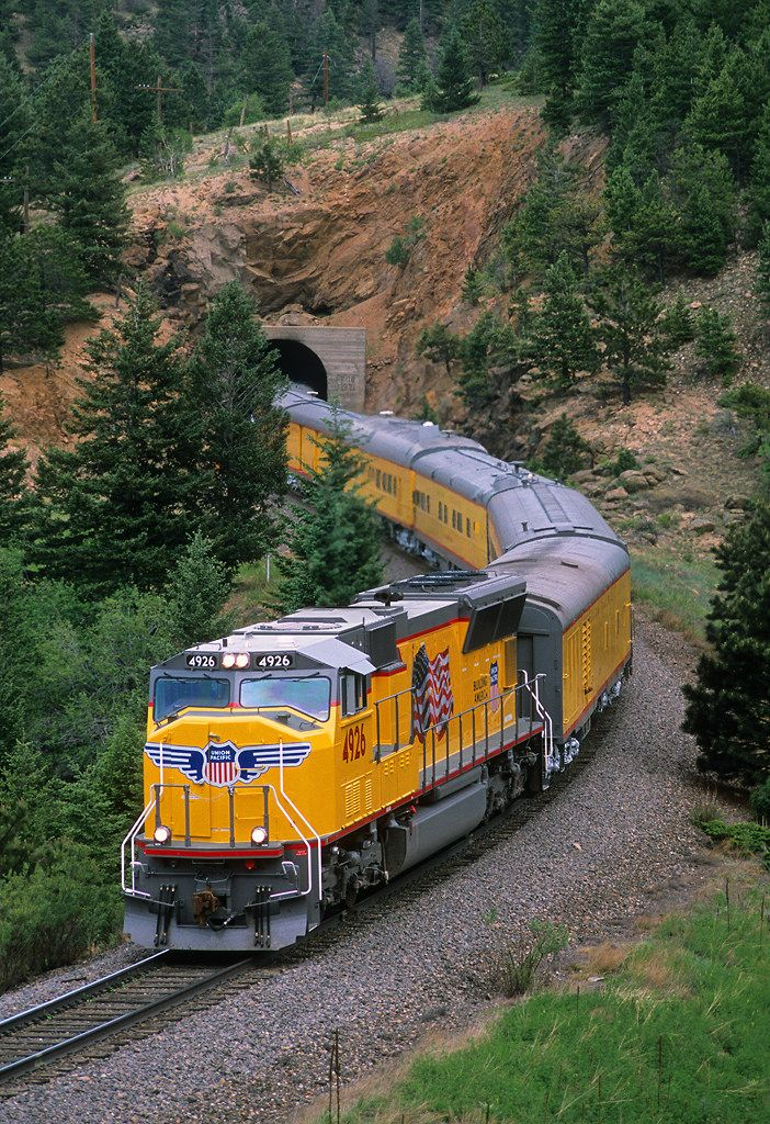Shiny yellow Tunnel 18 | A Union Pacific passenger special e… | Flickr