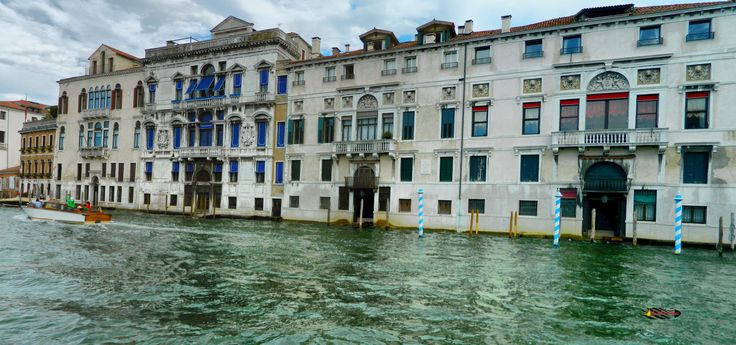 The Grand Canal in Venice, Italy, Nikon Coolpix L310, 5.6mm, 1/800s, ISO80, f/3.2,-0.3ev, panorama mode: segment 2,  HDR photography, 201707151744