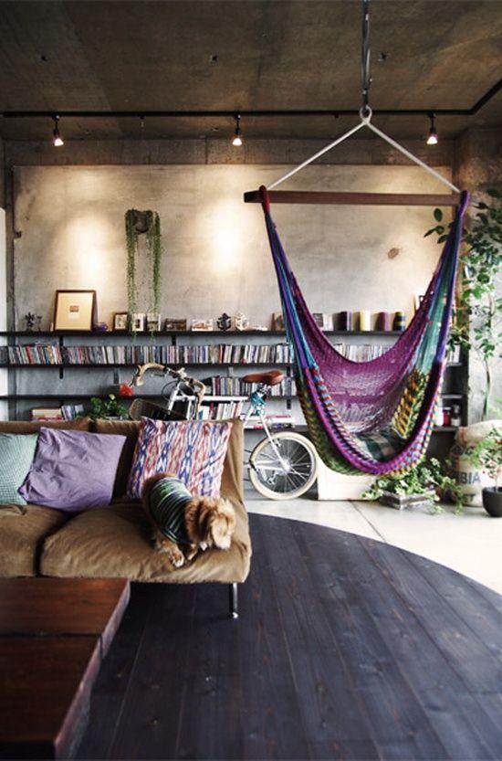 Hanging chair love // Sillas colgantes dentro de casa // casahaus.net