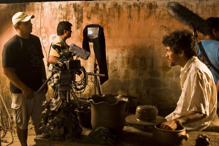 """O CineclubeNatale o Solar Bela Vista, dentro da programação do Cine Solar, promove o cicloO Fazer documentários: Visão Crítica, com exibições regulares dedocumentários premiados do DocTV, todas as penúltimas sextas-feiras do mês, sempre a partir das 19h. Confira a programação: 20/9 – """"Hermógenes: Deus me livre de ser normal"""", mais debate com o diretor Marcelo...<br /><a class=""""more-link""""…"""