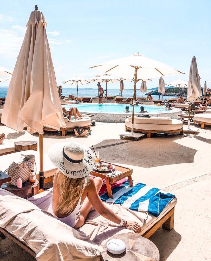 Destino, Ibiza, summer vacation 💛