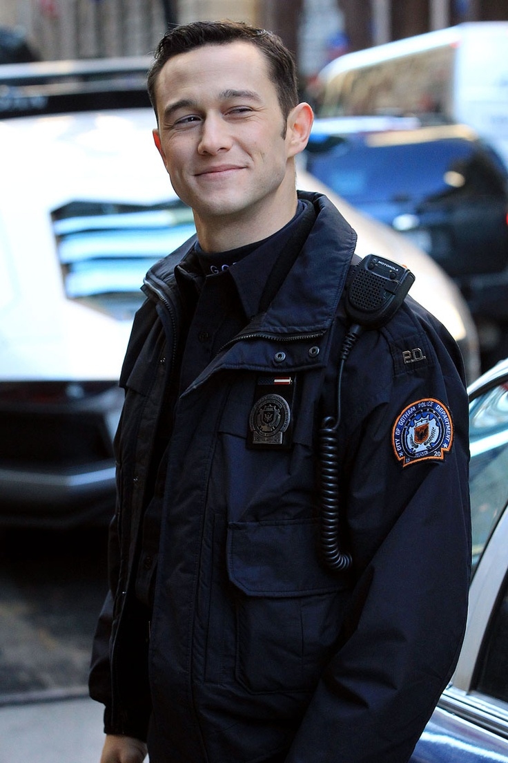 joseph gordon levitt...in uniform...swoon!