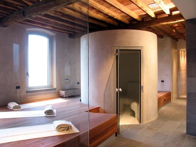 La zona dedicata ai massaggi e al bagno di vapore.