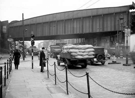Commercial Road, by Rotherhithe Tunnel approach, 1953