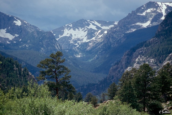 Long's PEak, Rocky Mountain National Park @ http://suttonphotos.smugmug.com/Landscapes/Colorado/159929_boF4J#177375501_K9voM