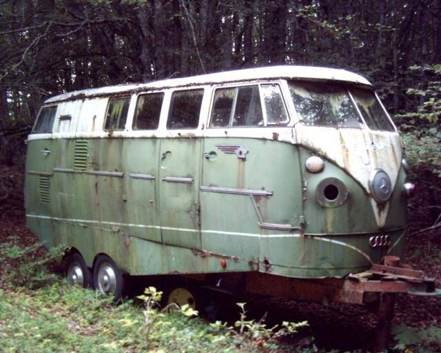 This looks like an abandoned VW Type 1 trailer conversion project. Could've been cool.