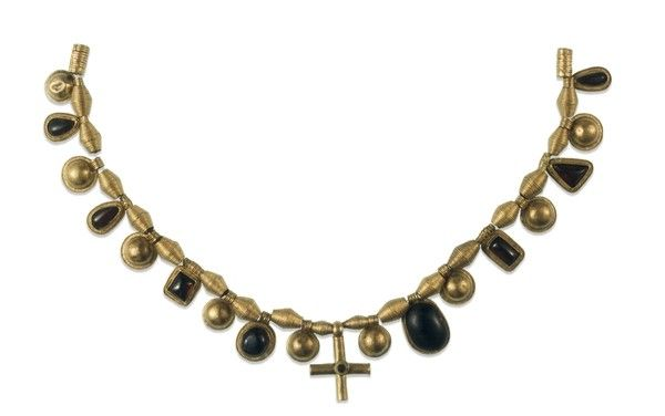 anglo-saxon-necklace-e1385337015591.jpg (600×376)