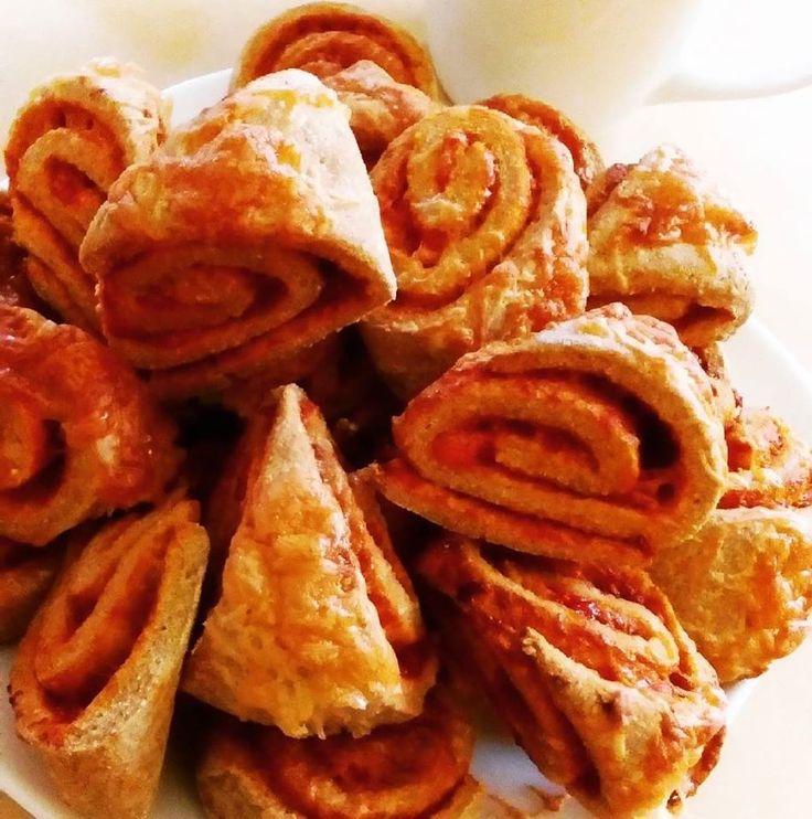Szafi Reform pizzás croissant recept (paleo) Paleo pizzás croissant recept (tejmentes, gluténmentes, élesztőmentes, szójamentes) A tojásmentes változatát a recept végén találjátok!!! Egy nagyon különleges pizzás croissant receptet hoztam ma nektek. Ugyanis a gluténmentesség, te