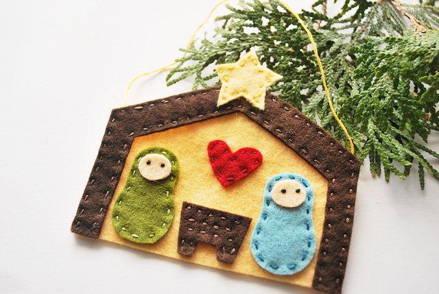 *DARLING* homemade nativity felt ornament! :)