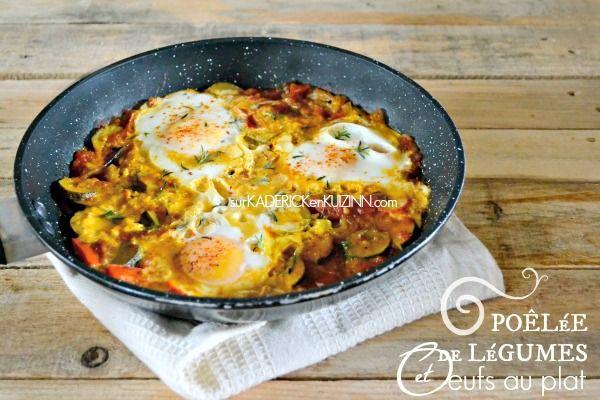Recette legumes - Poêlée de légumes dont tomates, courgettes, poivrons, safran, piment d'Espelette, sarriette, curcuma et oeufs au plat pour un plat complet