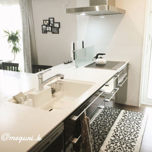 meguri.kさんの、Kitchen,観葉植物,白黒,モノトーン,ホテルライク,一条工務店,IGやってます,アイスマート,IG→meguri.k,ismartについての部屋写真