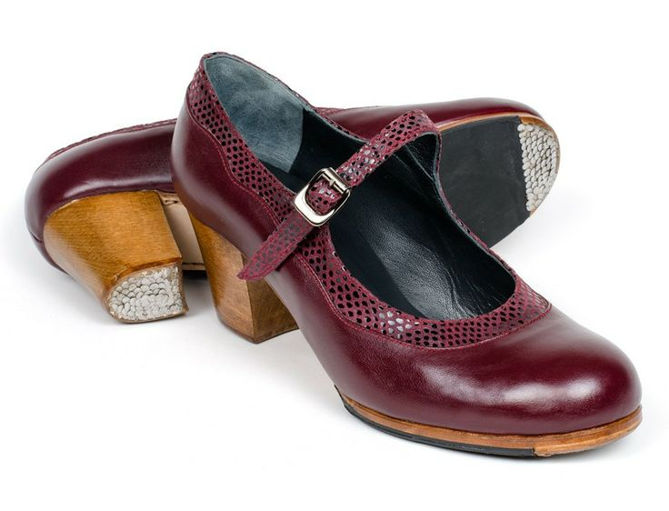 #Flamenco #Shoes for professional #dance . Made to measure by ArteFyL. ORder online. 04 Bordeaux leather | 74 Bordeaux Fantasy leather | Cuban high 60 mm walnut dyed heel, nails