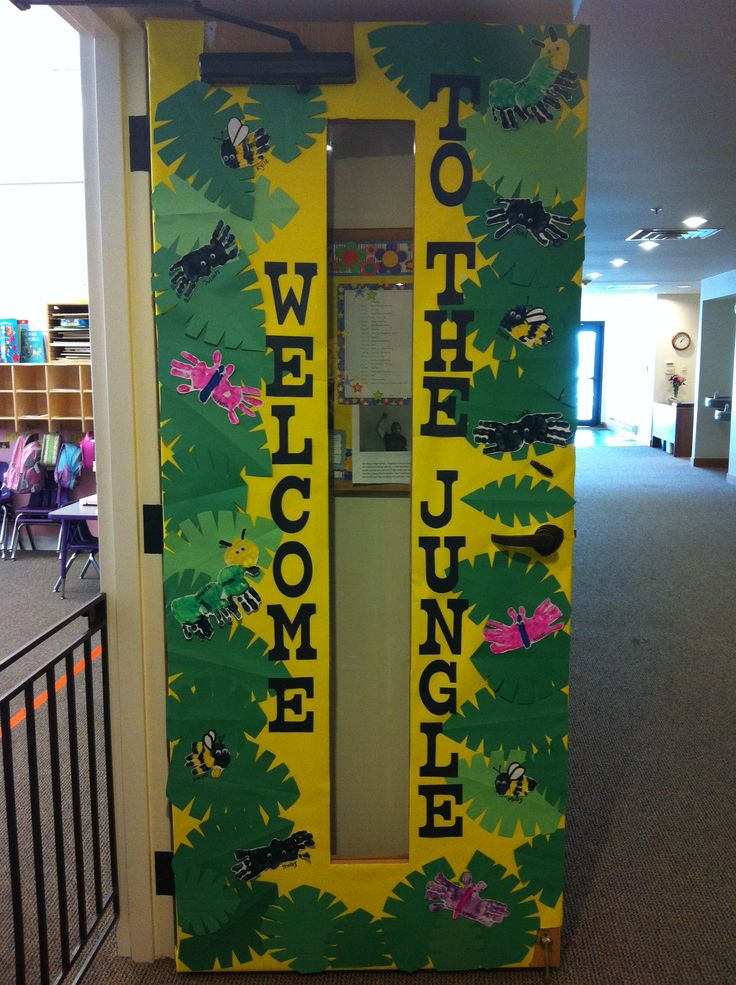 Jungle Themed Classroom Door. Should have done this for this year's kids...