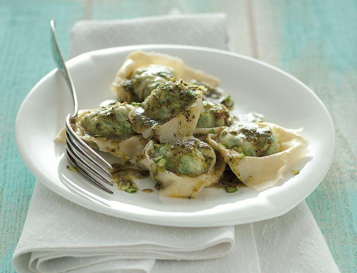 Ravioli di pesce con erbe, pistacchi e timo ricetta