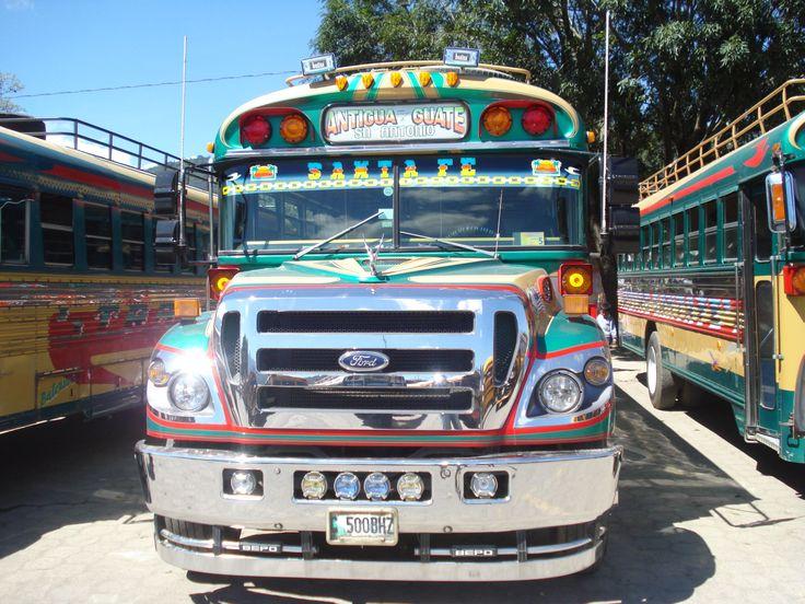 I Camionetas in Guatemala.