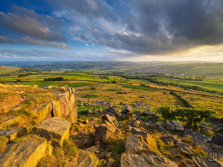 https://flic.kr/p/K9pduT | Summer Evening Over Silsden | Stunning evening light at Nab End overlooking Silsden last weekend. The wind was like a hairdryer on the exposed rocks but luckily the ambient temperature was high enough to make it tolerable. The light came and went throughout the evening but a decent sprinkling of cloud made a nice change to the recent clear skies.