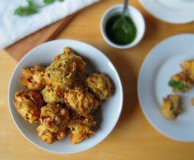Jyoti's Pages: Onion Bhajji ~ Crisp Onion Fritters