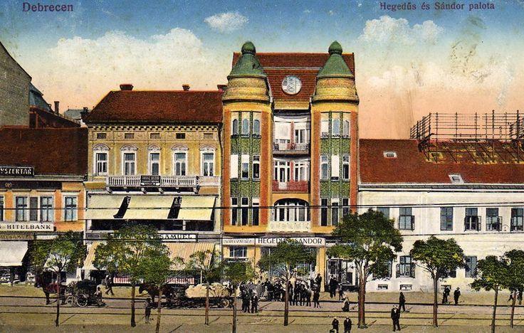 Valaha a Piac utcán, a mostani Alexandra könyvesbolt helyén...