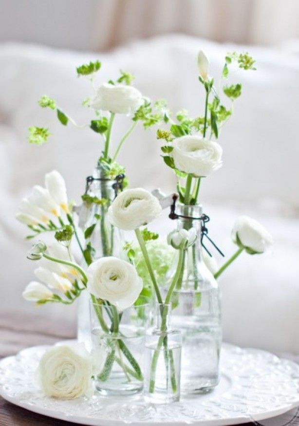 Spring is in the air, love the white, love the natural green accents