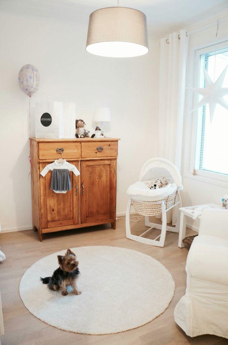 nursery / baby room / moses basket / baby / crib
