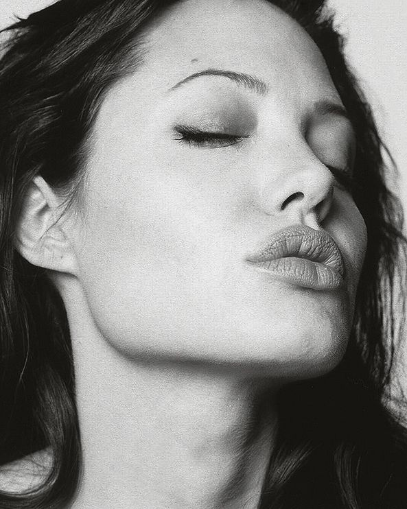 Angelina Jolie by Robert Erdmann, 2003