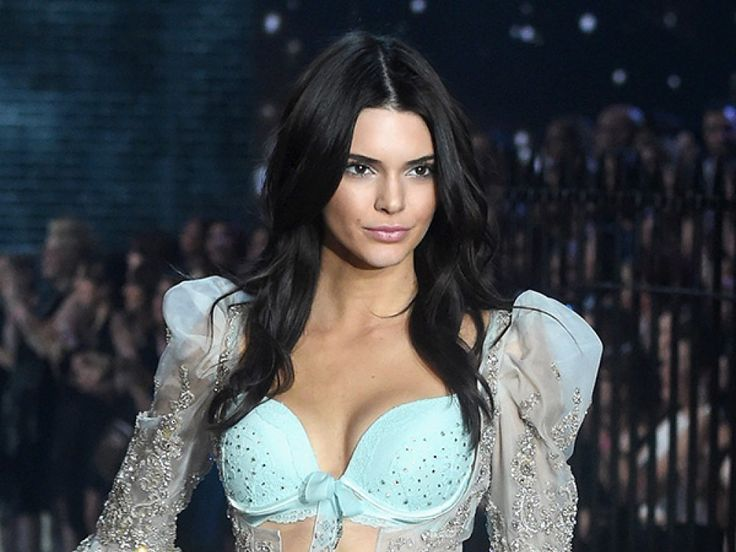 Kendall Jenner spilled a secret about walking in the Victoria's Secret Fashion Show!