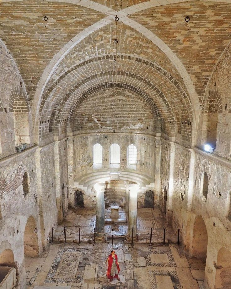 #TalesOnTheLycianWaycontinues full steam ahead as storyteller Judith Liberman uses the stunning setting of the 4th century tentative UNESCO World Heritage Site of St. Nicholas' Church to tell her #AnatolianTales to instagrammers influencers and journalists!  #TurkeyHome #Antalya  Photo by @audiosoup by turkey_home