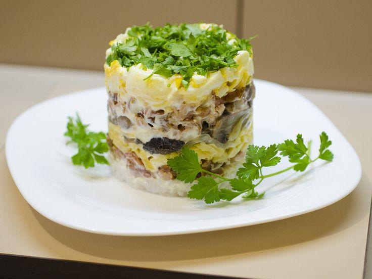 Оригинальный сырный салат!   Будете Здоровы