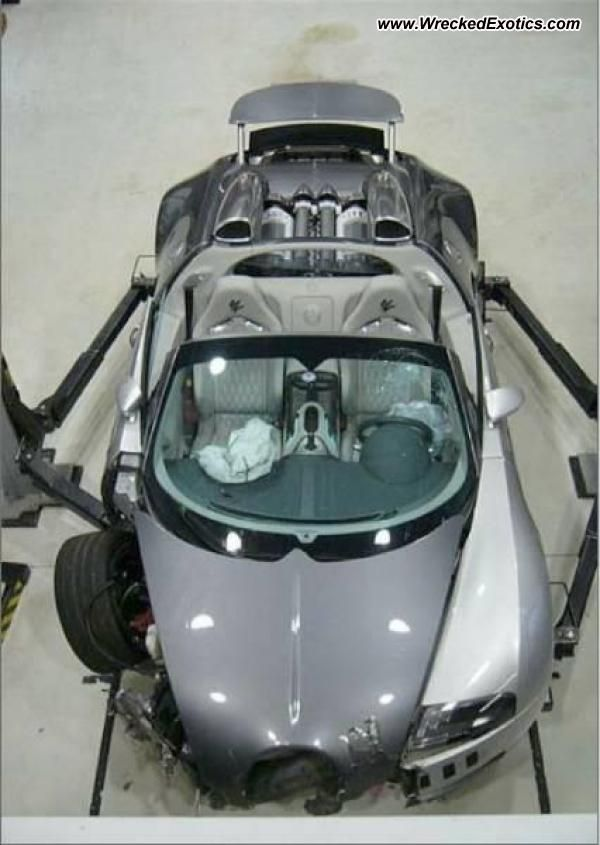 It S A Bad Day When You Wreck Your 2mill Bugatti Veyron Grand