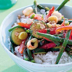 Recept - Rijst met pittig gewokte seizoensgroenten - Allerhande