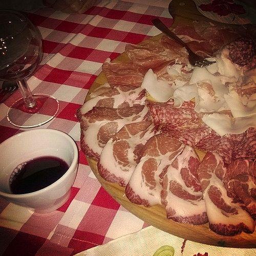 Vino e salumi piacentini | MyTurismoER: Piacenza e provincia attraverso lo sguardo fotografico di @robertabbatangelo