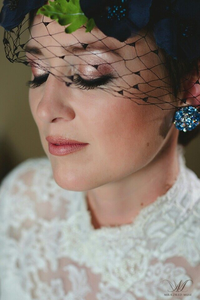 Check out KESmakeup art, in Windsor Ontario. Bridal/Special Occasion make-up applications.  We travel to you in Windsor/Tecumseh/Harrow/Kingsville/Amherstberg/Chatham ON. www.facebook.com/k.e.s.makeup. Or msg us at k.e.s.makeup@gmail.com