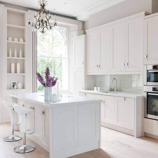 Cocinas blancas y luminosas