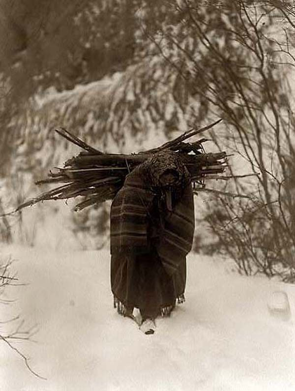 Heavy Load. It was made in 1908 by Edward S. Curtis.    The illustration documents a Dakota Sioux woman carrying firewood on her back in snow.: Carrie Firewood, Sioux Woman, Edward Curtis, American Indian, Heavy Loaded, Illustrations Documents, Woman Carrie, Carrie Wood, Native American