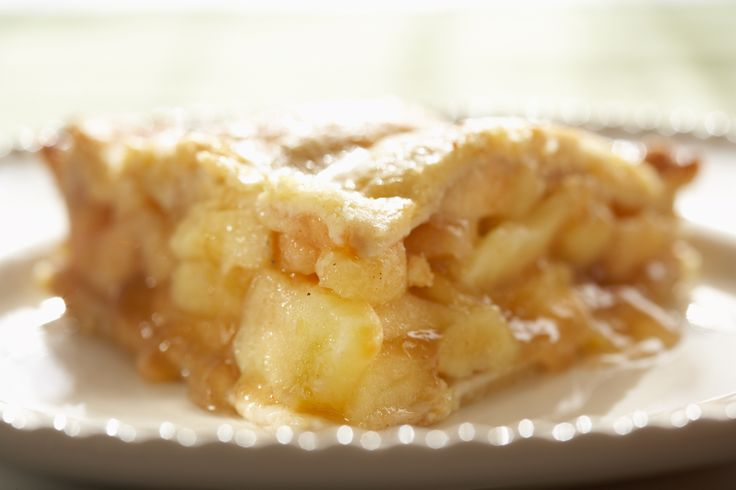 Pie in the sky apple pie from Splendid Table  ~  sounds wonderful, looks good. Only thing missing - splodges of whipped cream, or ice cream mmm