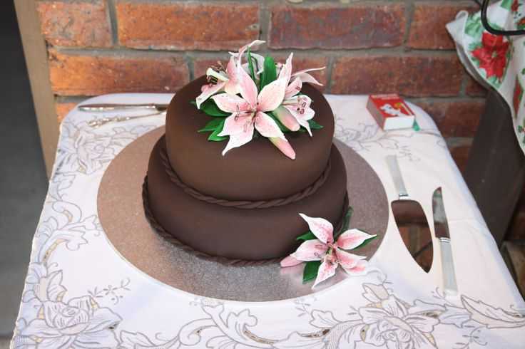 Mother in Law 60th Birthday Cake. Decorated with her favourite flowers
