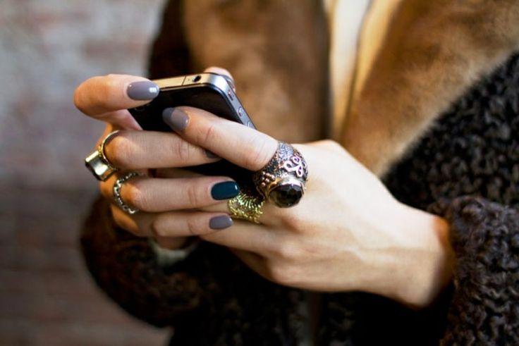 Γκρι νύχια: Ένα ουδέτερο χρώμα για το μανικιούρ σας! #jennygr