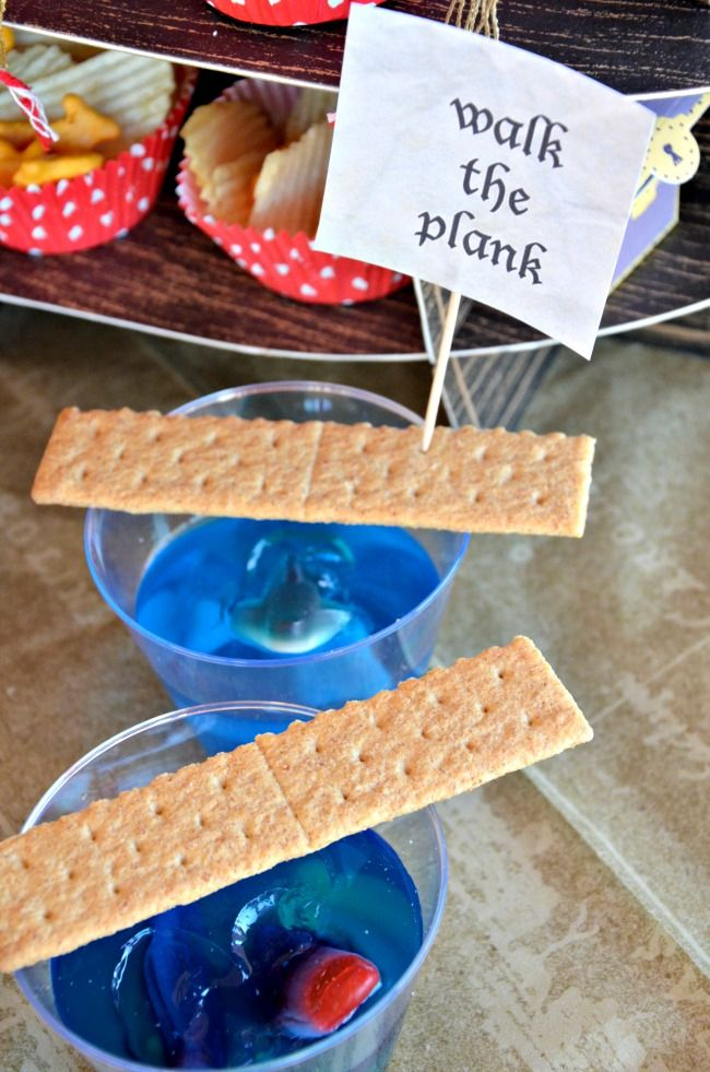 Arrrgh! It's a Pirate Party! | So many fun food ideas for a pirate party